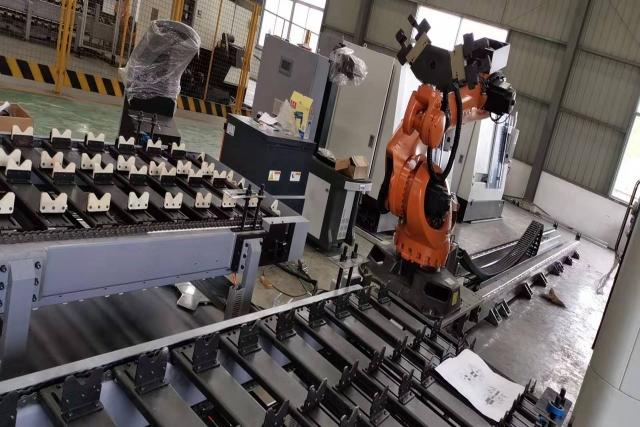 机器人第七轴在铸造业的应用